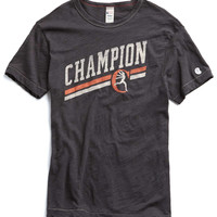 Champion Graphic in Faded Black