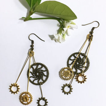 Antique bronze and Gold Steampunk earrings. Handmade jewelry. Lightweight earrings. Steampunk jewelry. Anniversary gift for wife girlfriend.