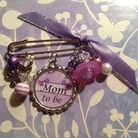 Baby Pin Brooch Personalized Gift-Mom to Be,Nana to Be, Granny to Be, Mommy to Be for baby shower