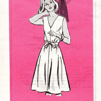 Vintage Housedress Wrap and Go Apron Dress Retro Style Sewing Pattern V Neckline Full Skirt Tie Waist Uncut FF Bust 34