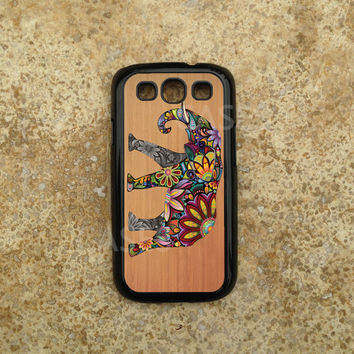 Galaxy S3 Cover - Custom Samsung Galaxy S3 Cases - Colorful Elephant on Wood - Best Top Accessories for Samsung S iii - Hard Protective Case