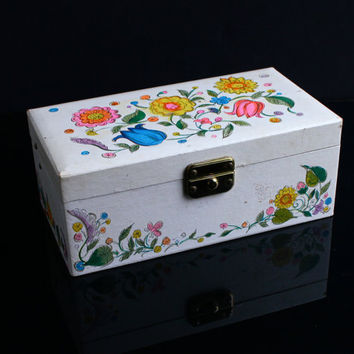 Vintage Musical Jewelry Box - 1950s Child's Floral Music Box Organizer / Wind Up Dancing Ballerina