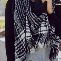 Penelope Lane Blanket Scarf - Black