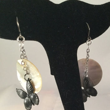 Black butterfly earrings, shell button earrings, butterfly jewelry, shell jewelry, gothic earrings, steampunk earrings