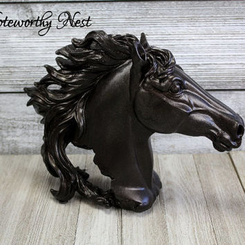 Horse head statue // Bronze finish horse head // Horse lover // Equestrian // Western Decor // Horse Decor // Bookshelf Decor //