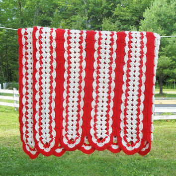 "Vintage red and white crochet afghan throw blanket - Festive crochet afghan - Cottage chic decor 70"" x 45"""