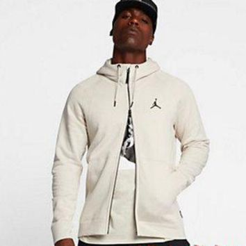 ONETOW NIKE Jordan SPORTSWEAR FLIGHT TECH Black White Men Jacket B-A-BM-YSHY