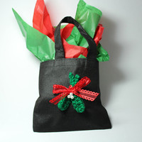 Mistletoe Holiday Gift Bag. Crochet mistletoe gift wrap.