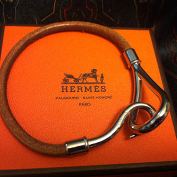 MINT. Vintage Hermes Jumbo leather and silver bracelet. Classic and casual jewelry from Hermes. Comes with everything you need. Best Gift