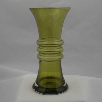 Riihimaki green glass vase by Tamara Aladin. Stylish 1960s Finnish design by Riihimäen Lasi Oy glass comany. Vintage Scandinavian glass