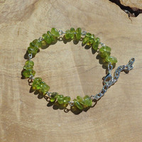 Peridot Stone Bracelet ~ August Birthstone ~ Green Jewellery ~ Healing Crystals ~ Raw Stones ~ Anniversary Gift ~ Gift for Step Mum