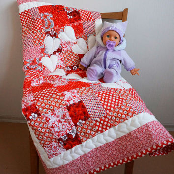 Romantic Red  Quilt, Valentines Day Quilt with Appliqued Hearts, Patchwork Baby Girl Blanket,  Baby Nursery, Babyshower Gift