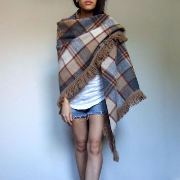 Fringe Fall Cape 70s 1970s Plaid Shawl Beige Brown Warm Wool Scarf
