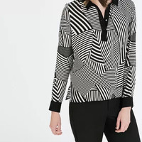 Black Patterned Strip Button-Up Long-Sleeve Collared Shirt