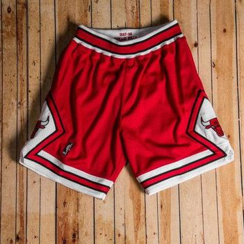 ONETOW Mitchell & Ness - 1997-98 Authentic Shorts Chicago Bulls (Red/White/Black)