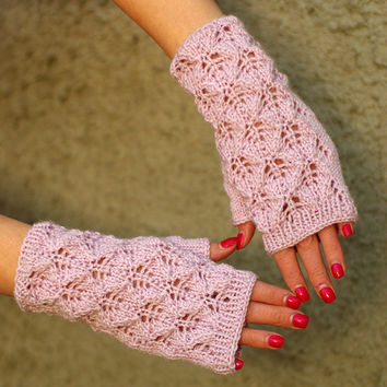 Dusty pink Lace fingerless gloves