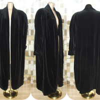 Vintage 80s Retro 20s Black Velvet Opera Coat Art-Deco Formal Jacket Draped & Ruched Gothic Flapper Steampunk