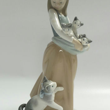 "Retired Lladro Girl with Kittens ""Following her Cats"" Porcelain Figurine #1309"