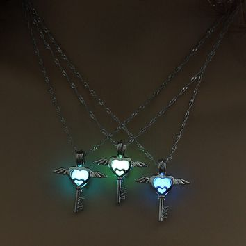 Luminous Jewelry Angel Wings Heart Pendant Necklace Glow in the Dark Vintage Silver Color Chain For Women LOVE