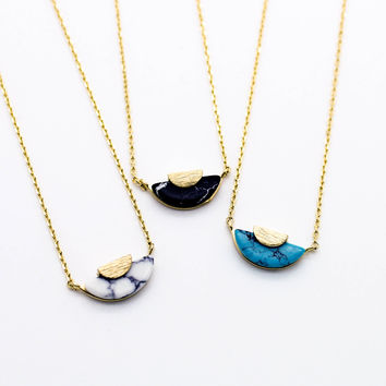 Luna marble necklace