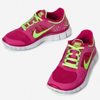 Amazon.com: Nike Lady Free Run V3 Running Shoes: Shoes