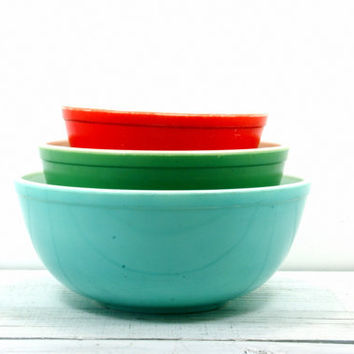 Pyrex Robin Egg Blue 4 Quart Large Mixing Bowl