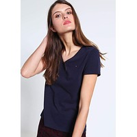 x1love   Tommy Hilfiger  women's slim fit embroidered V-neck T-shirt