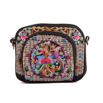 Yunnan National Style Embroidery Bag Embroidery Canvas Messenger Bag Woman Coin