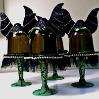MALIFICENT...(set of 4) bad girl club theme mini cupcake stands