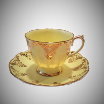 Royal Albert Tea cup and Saucer, Pale Yellow and Gold Lattice, Crown China Teacup, Scalloped, Made in England, Cabinet Teacup, 2515