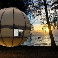 Cocoon Tree Hanging Tent Looks Like A Flying Orb