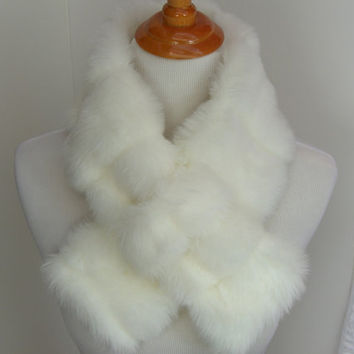 Faux Fur NECKWARMER Scarf with loop, Creamy White Mink Faux Fur Neckpiece, Faux Fur Collar, Women's Fur Cowl