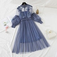 Lace dress women's three-dimensional flower sling bottoming two-piece mesh skirt blue