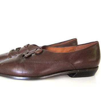 Vintage leather pointy shoes. brown flats. Pointy toes. Slip ons. Modern Boho Chic. Womens size 10