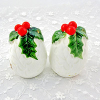 Lefton Salt And Pepper Shakers Signed Christmas Home Decor Kitchenware Vintage Collectible Gift   Item 1414