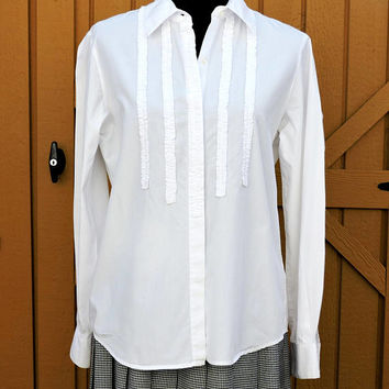 White cotton blouse / size M / white tuxedo shirt / blouse / long sleeve white blouse / ruffle front blouse / Liz Claiborne