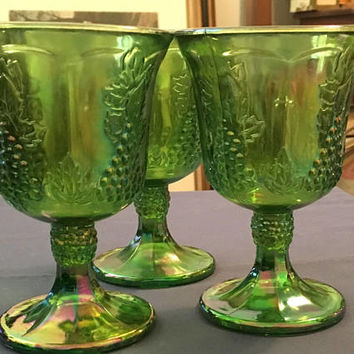 Green Carnival Indiana Glass Goblets, Grape Harvest Pattern, 3 Carnival Glass Goblets, Stemmed Glasses, Vintage Green Glasses, Grape Design
