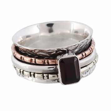 Arvino Movable Three Tone Silver Ring With Garnet Gemstone