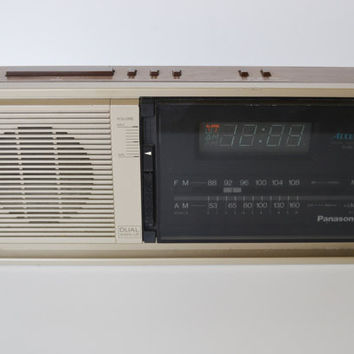 Vintage Digital Alarm Clock Radio Vintage Digital Alarm Clock Radio Panasonic digital dual wake up radio alarm clock model RC 6310