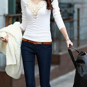 B| Chicloth Casual Lace Applique Long Sleeve Slim Basic T-Shirt