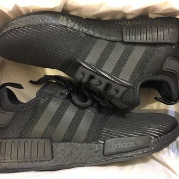 NEW ADIDAS NMD R1 TRIPLE BLACK REFLECTIVE RARE RUNNING SHOE BY3123 SIZE MEN 7
