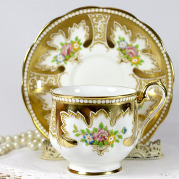 Royal Albert Royalty Bone China Teacup Tea Cup and Saucer 11966