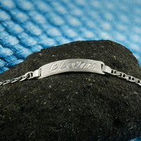 Cartocuhe Nameplate Bracelet, White Gold Plated, Silver, Personalized Name in English & Arabic Engraved Letters, 1 Name, Slim, BR010A