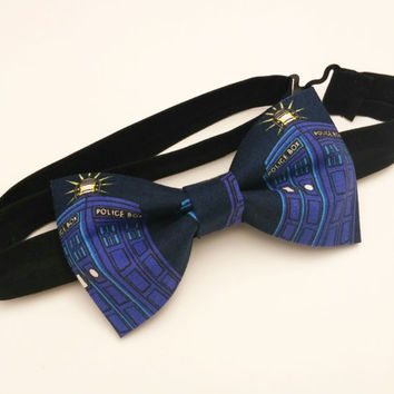 Tardis Bow Tie • Pre-Tied Bow Tie • Dr Who Bow Tie • Geekery Mens Fashion • Doctor Who Bowtie • Tardis navy bowtie • Dr Who Gifts