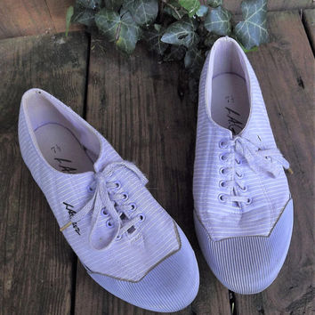 Vintage 1980s Tennis Shoes, La Gear Shoes, Purple Tennis Shoe, Striped Sneakers, Lace Up, Striped Tennis Shoe, US Size 7 1/2 7.5 Women Shoes