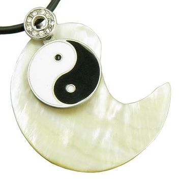 Lucky Ying Yang Pearl Shell Good Luck Talisman Pendant Necklace