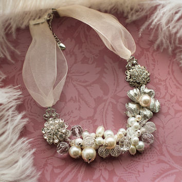 Chunky Vintage Pearl Bridal Necklace, 1920s Bib Statement Pearl Necklace,  Gatsby Necklace, Bib Necklace,  Vintage Style Necklace - BIJOU