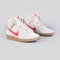 Flatspot - Nike SB Dunk High Pro Birch / Hyper Red