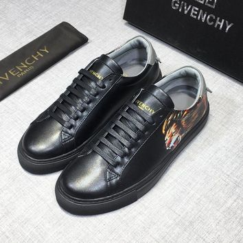 GIVENCHY LEO Printed Leather Low Sneakers - Best Deal Online