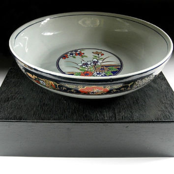 Very Large Bowl with Lacquered Box
